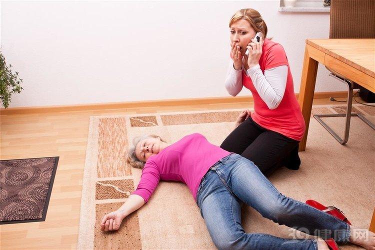 """学会2个急救方法,能让心脏骤停的人""""醒来""""!"""