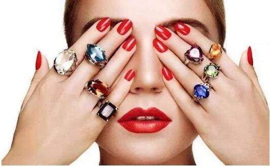 戴戒指有讲究 戒指戴在不同的手指上意义大不同