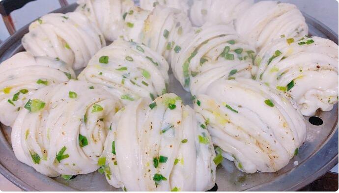 简单好吃的葱香花卷做法和葱香花卷配方
