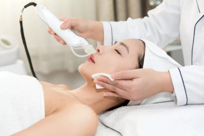 水光针长期做,会导致皮肤变薄和敏感吗?