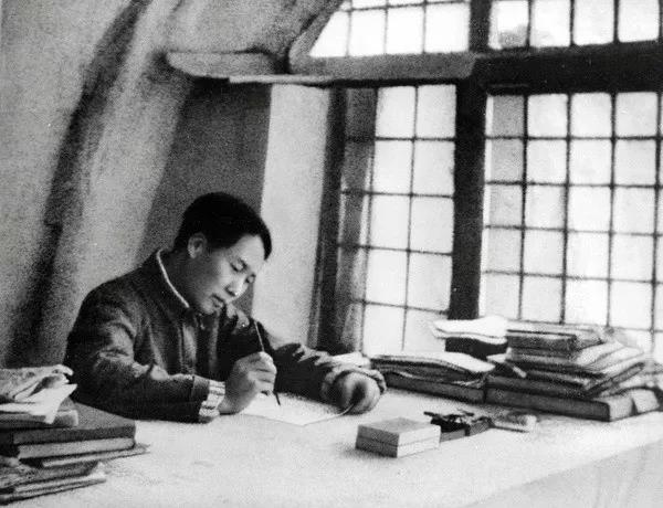 毛泽东的说服教育艺术