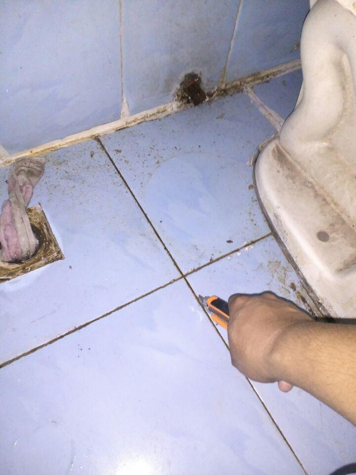 清理地面、地板砖缝隙