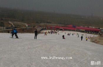 望海楼极地滑雪场