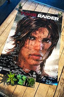 《古墓丽影9》开发团队签名海报