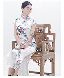 巧之韵 邻家女孩 白孔雀新款女装气质旗袍 长款修身旗袍手工定制
