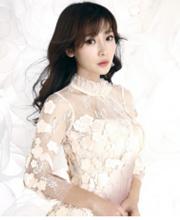 柳岩穿透视白旗袍拍写真