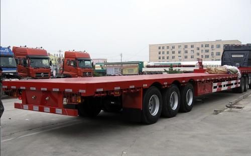 阿坝物流公司-17.5平板车运输车型