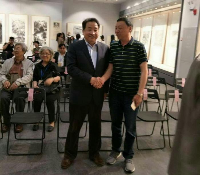 领导侯瞬晨参加刘海粟美术馆开馆仪式