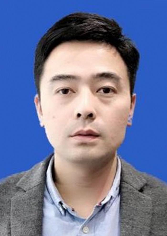 王伟,中国翰林书画院信阳分院秘书长
