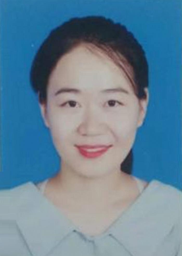 王振丽,中国翰林书画院信阳分院理事